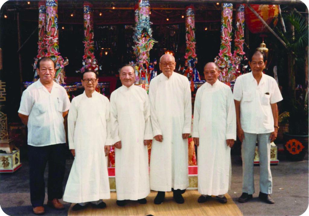 當年鼎力支持勝會的長老左起:梅鴻昇、鄭錦泉、姚樹、林振合、沈錦忠、林炳霖。